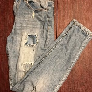 Destroyed Low Rise Skinny Jean Sz 9